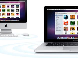 Foto de un iMac junto a un Macbook